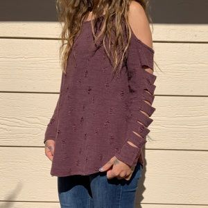 Like new small Entro distressed top